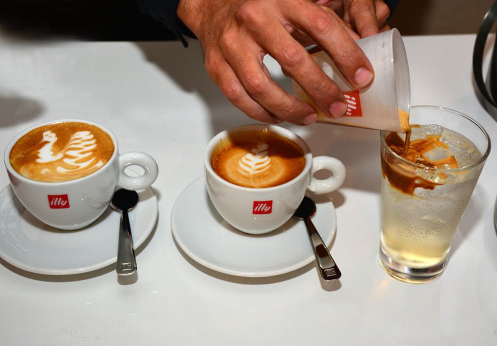 amazing latte art from illy toronto coffee