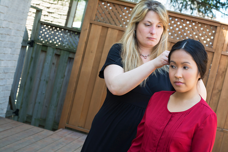 makeup and hair artist in toronto working on acting portraits