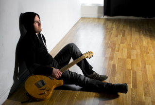 guitarist portraits for musicians portfolio. Offering photo packages for your photo shoot